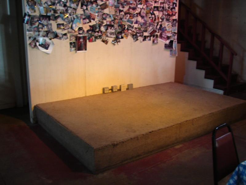 restaurant stage 001
