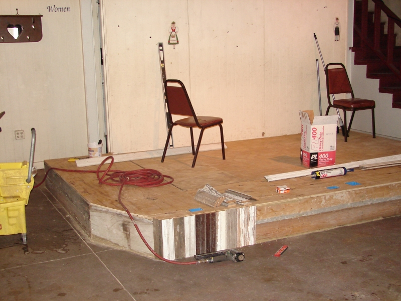 restaurant stage 010